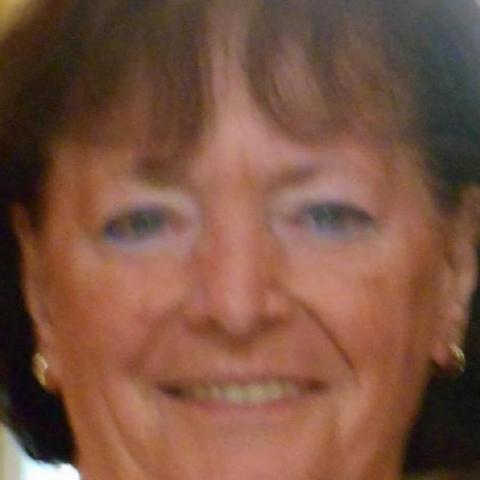 Eszter, 82 éves társkereső nő - Szeged