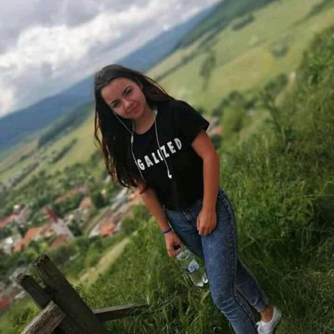 Tina, 18 éves társkereső nő - Békéscsaba