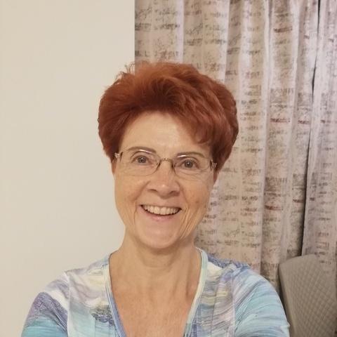 Éva, 67 éves társkereső nő - Budapest