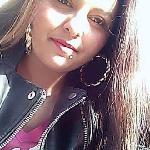 Barbi, 24 éves társkereső nő - Mány