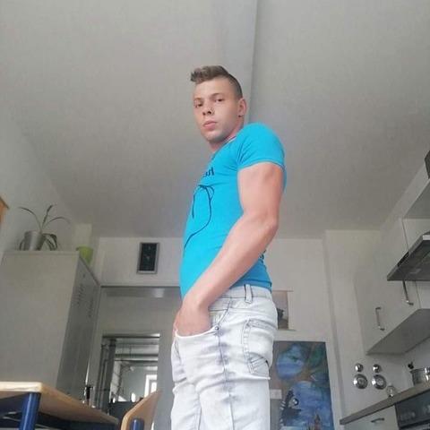 Attila, 19 éves társkereső férfi - Balástya