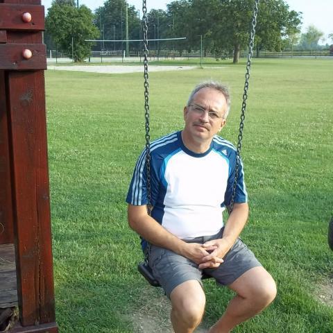 András, 62 éves társkereső férfi - Tamási