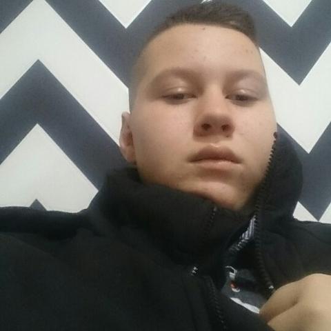 Gergely, 16 éves társkereső férfi - Várpalota