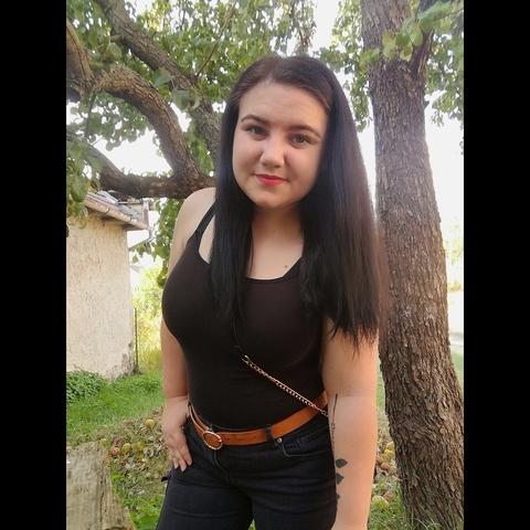 Edina Lejla, 22 éves társkereső nő - Dunaújváros