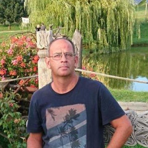 Miki, 54 éves társkereső férfi - Tolna