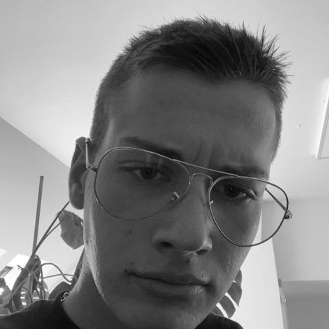 József, 19 éves társkereső férfi - Csákberény