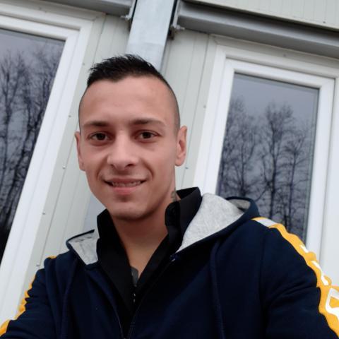 Lacika, 25 éves társkereső férfi - Hajdúböszörmény