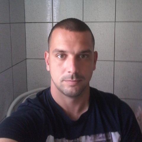 István, 32 éves társkereső férfi - Miskolc
