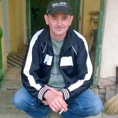 Tamás, 46 éves társkereső férfi - Karos