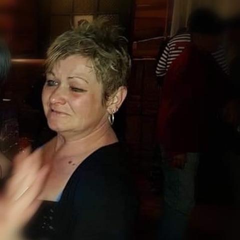 Kriszta, 47 éves társkereső nő - Csanytelek