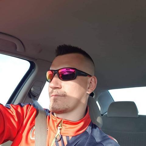 Ferenc, 29 éves társkereső férfi - Szerep