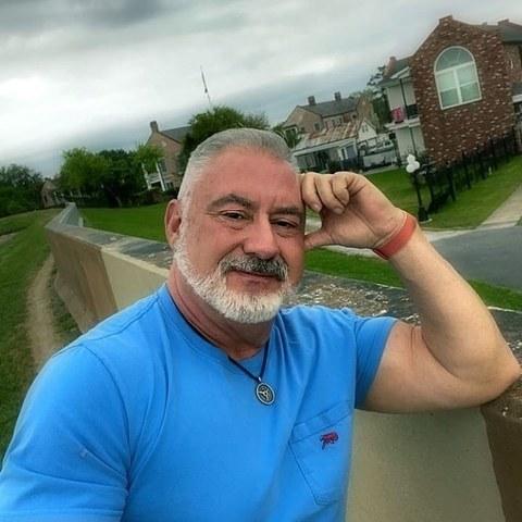 Antonio , 55 éves társkereső férfi -