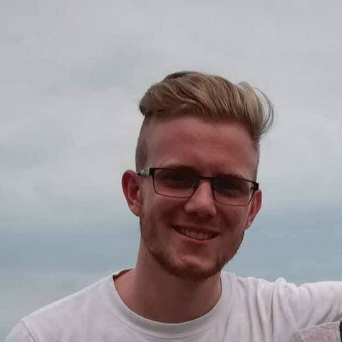 Márió, 25 éves társkereső férfi - Veresegyház