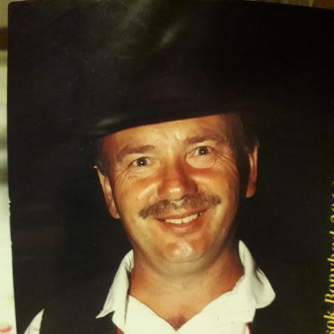Zsolt, 49 éves társkereső férfi - Hidas