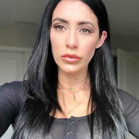 Lisa Dennis, 33 éves társkereső nő - Borsosberény