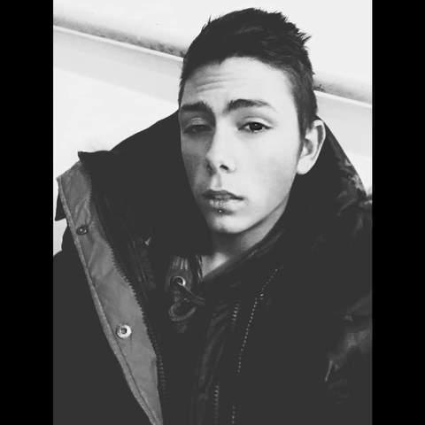 Alex, 20 éves társkereső férfi - Tapolca