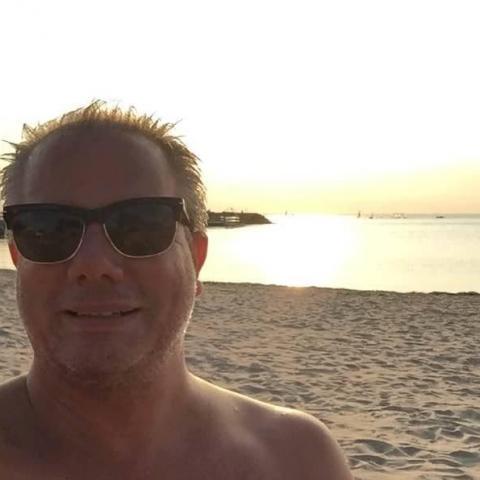 Alexander, 50 éves társkereső férfi - Császártöltés