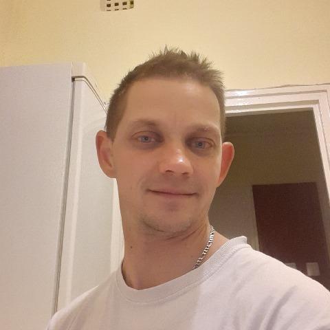 Robi, 35 éves társkereső férfi - Békéscsaba