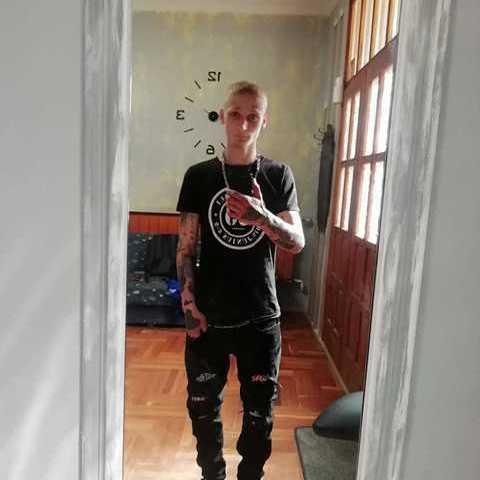 Szabolcs, 22 éves társkereső férfi - Bakonycsernye
