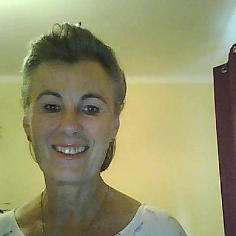 Hilda, 67 éves társkereső nő - Zalaegerszeg