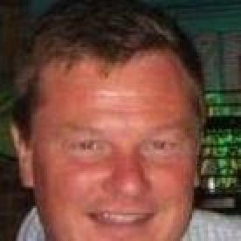 Joseph, 59 éves társkereső férfi -
