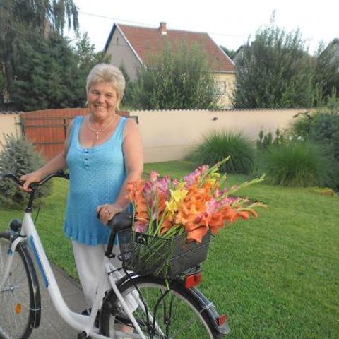 Piroska, 63 éves társkereső nő - Jászfényszaru