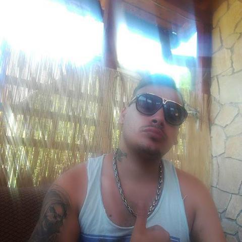 Robi, 28 éves társkereső férfi - Salgótarján