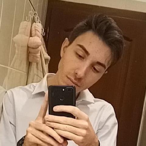 András, 18 éves társkereső férfi - Pápa