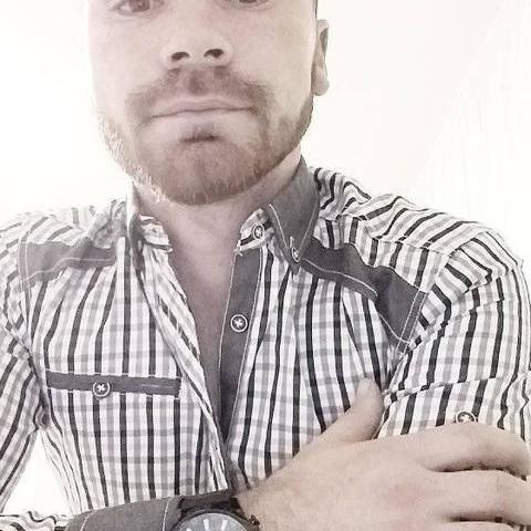 Márk, 24 éves társkereső férfi - Csány
