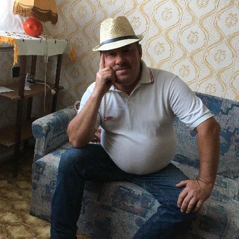 Tibor, 55 éves társkereső férfi - Nagyrozvágy