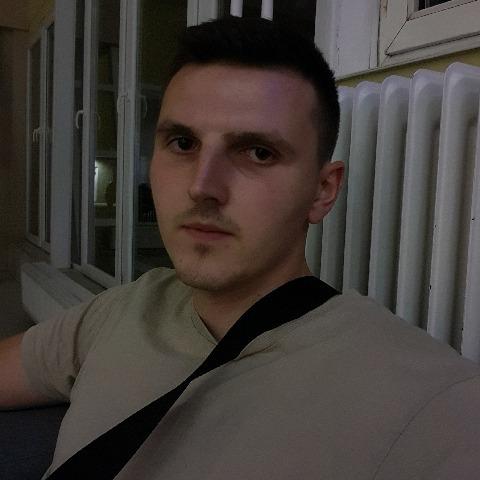 Kristóf, 23 éves társkereső férfi - Szolnok