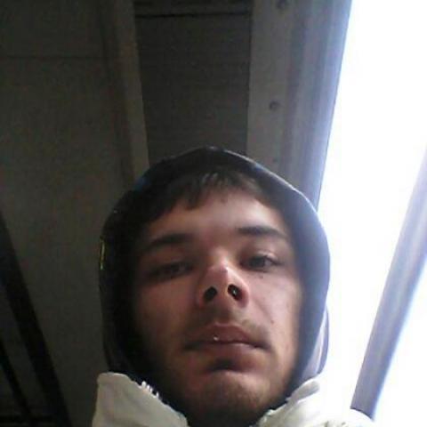 Tamás, 27 éves társkereső férfi - Varsány