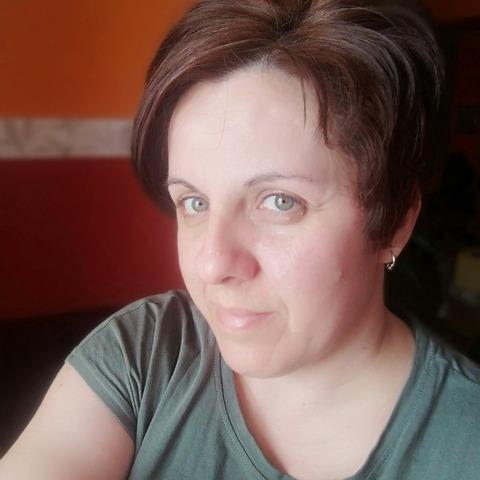 Piroska, 44 éves társkereső nő - Hahót