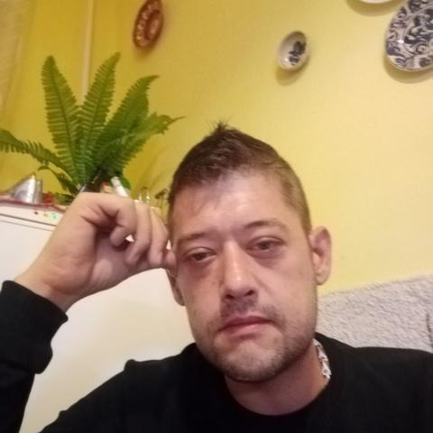 Zoltan, 34 éves társkereső férfi - Csabdi