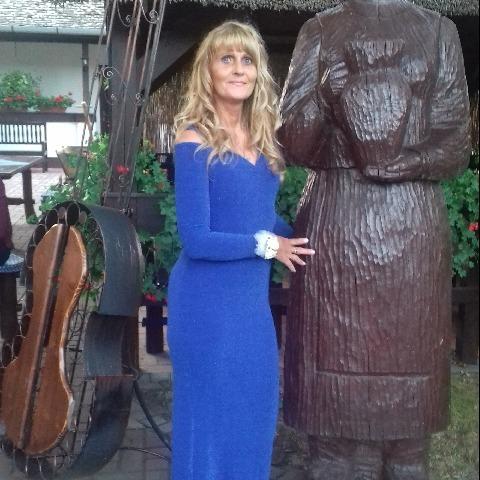 Nicolette, 55 éves társkereső nő - Felsőpakony
