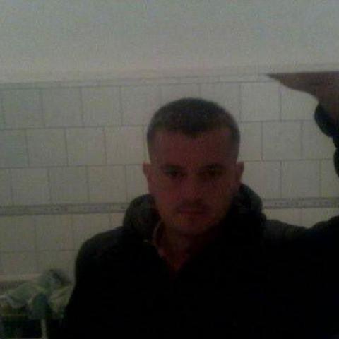 Robert, 39 éves társkereső férfi - Nézsa