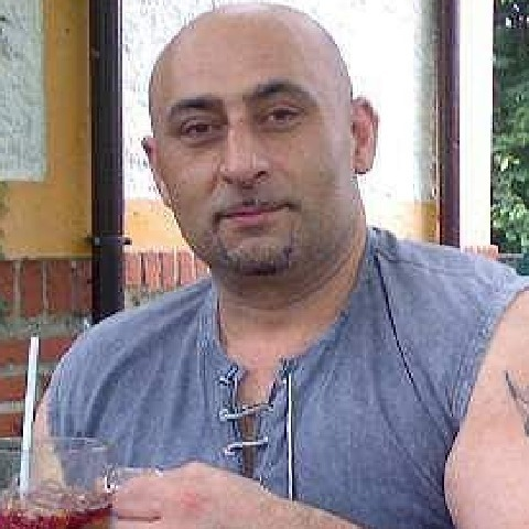 gyula, 47 éves társkereső férfi -