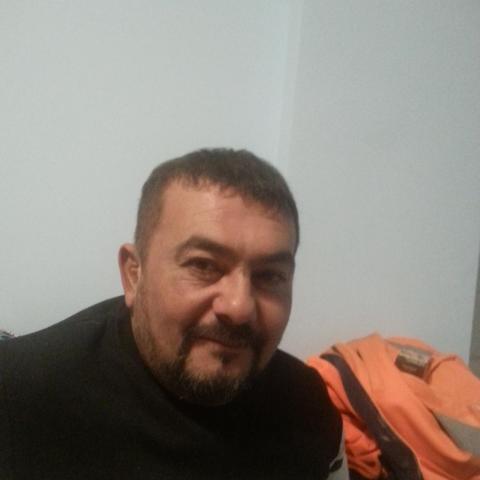 Dezsi, 48 éves társkereső férfi - Budapest