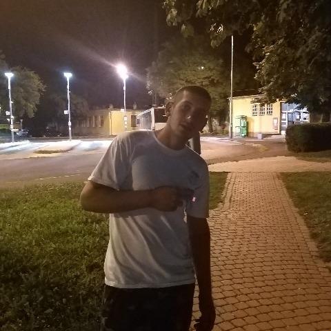 Csabi, 21 éves társkereső férfi - Öcs