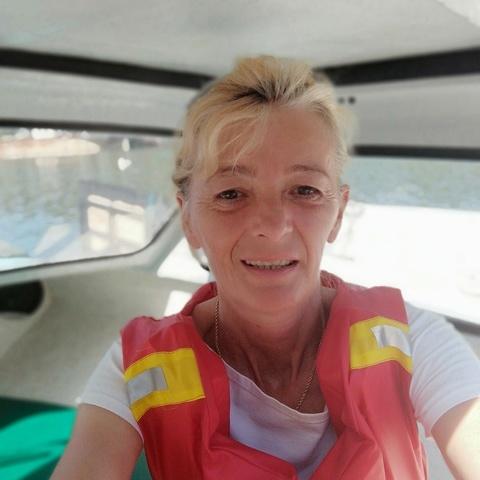 Gyöngyi , 51 éves társkereső nő - Szekszárd