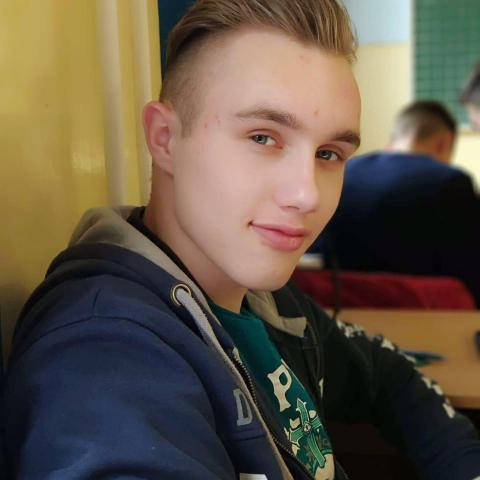 Bence, 20 éves társkereső férfi - Hajdúhadház
