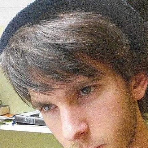 Péter, 24 éves társkereső férfi - Dombóvár