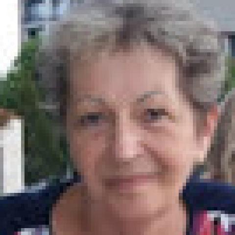 Adrienn, 67 éves társkereső nő - Veresegyház