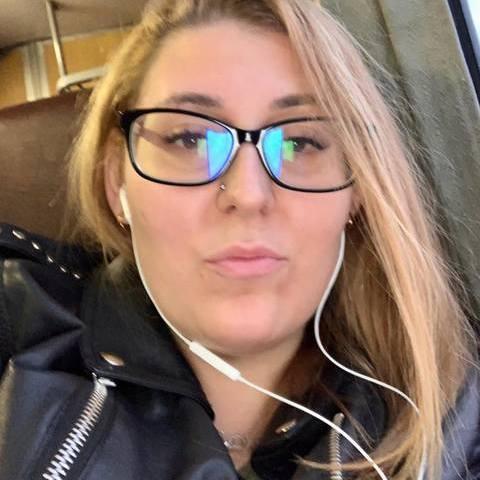 Adrienn, 25 éves társkereső nő - Cikó