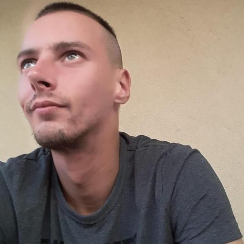 Zoltán, 27 éves társkereső férfi - Dunaújváros