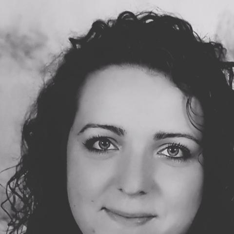 Krisztina, 29 éves társkereső nő -