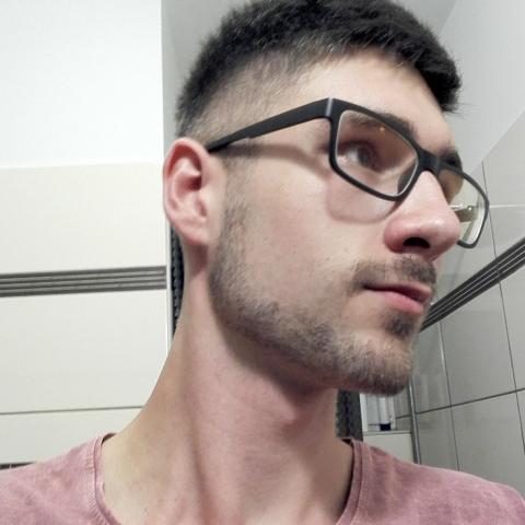 Benjamin, 21 éves társkereső férfi - Pécs
