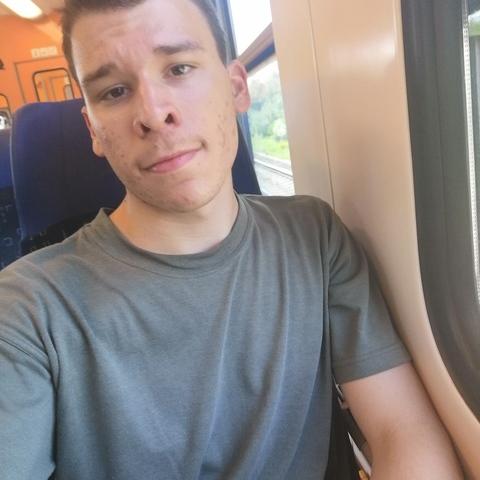 Balázs, 20 éves társkereső férfi - Karcag