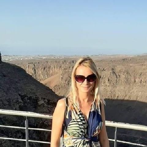 Eszter, 47 éves társkereső nő - Zalaegerszeg