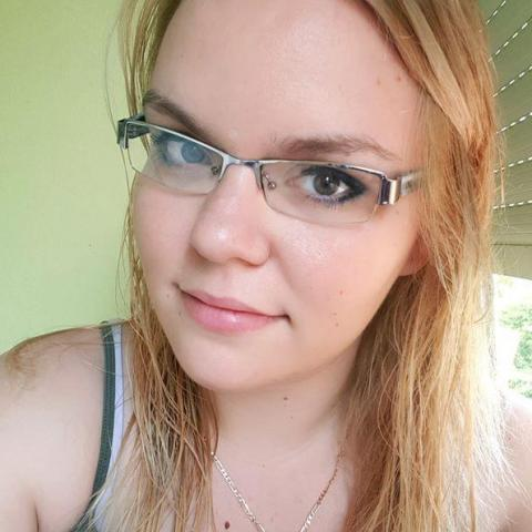 Mónika, 28 éves társkereső nő - Szeged